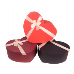 Set 3 cutii tip inima uni cu funda