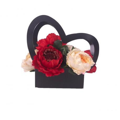 Ghiveci din carton in forma de inima