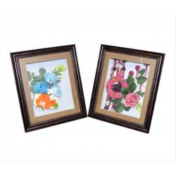 Tablou de lemn dreptunghiular mic cu aranjament din flori de sapun si dulciuri